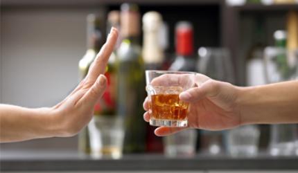 Dia Nacional de Combate às Drogas e Alcoolismo alerta população sobre os perigos do consumo excessivo